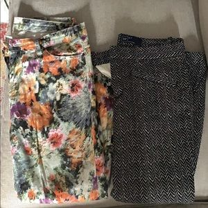 Two pairs of printed crop pants - size 6